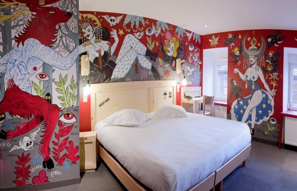 2_room_303_by_marie_meier_hotel_graffalgar_c_paola_guigou.jpg
